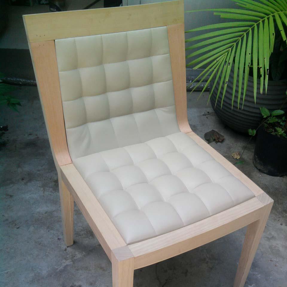 Cadeira Júlia – Delinear 2011